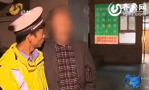 史上最奇葩醉酒司机-要求与交警照相合影