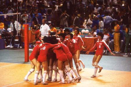 中国史上第一支奥运会金牌的运动队-女排5连冠回