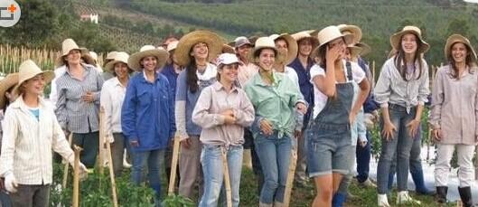 世界上最多女人的地方-巴西女儿镇