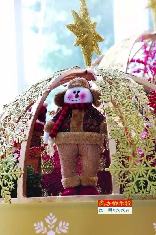 史上最高圣诞树就在广州西塔落地