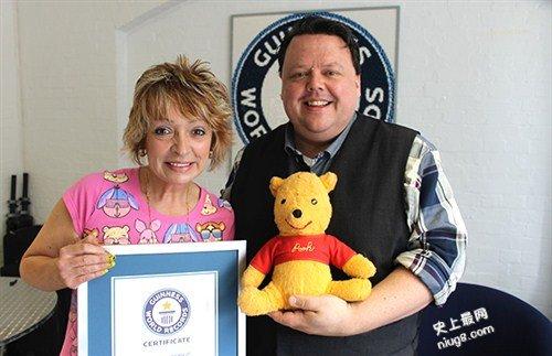世界上最大规模的布娃娃维尼小熊纪念品收藏-(11,485件)