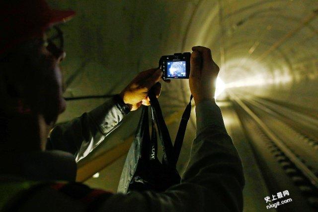 世界上最长的隧道-瑞士圣哥达铁路隧道