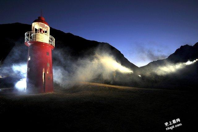 世界最高的灯塔在阿尔卑斯山脉海拔2046米