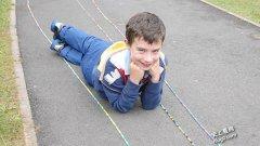 史上最长的橡皮筋手链达753.39米来自