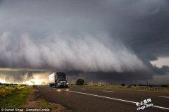 史上最强的超级风暴重创斐济造成巨大的灾害