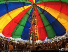 """江西:""""世界最大晴雨伞""""418平方米"""