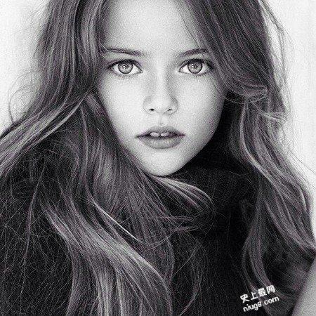 世界最美少女-俄罗斯9岁国际超模facebook拥有200万点赞人数