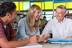 重学业怕社交 大学新生常抑郁