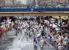 世界最大的马拉松比赛时间和在哪里