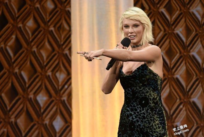 美国小天后Taylor膺《福布斯》最赚钱名人