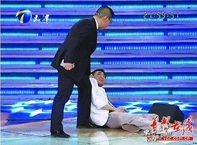 学历门事件「晕倒哥郭杰」引20万人同情《非你莫属》道歉