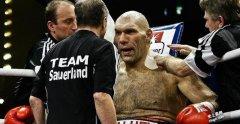 世界上身材最高的重量级拳王 瓦罗夫打遍天下无敌手