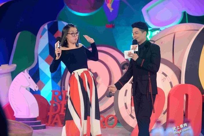 浙江卫视《中国冠军范》傅园慧秀表情 爆身材高大难找男朋友
