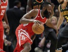 NBA》字母哥霸占官方MVP榜首 哈登紧追