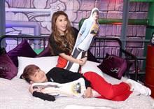「综艺小天王」KID和新一代性感女神恺乐《18岁不睡》主持大尺度
